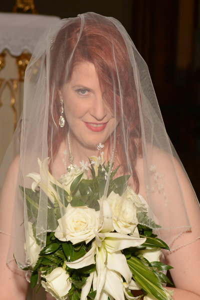 Bride in Veil, White Flowers, TLC Events & Weddings, Dayton, Ohio